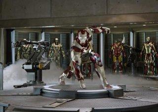 Iron Man 3: il laboratorio con le armature di Iron Man
