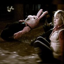 Adelaide Clemens in una sequenza di Silent Hill: Revelation 3D
