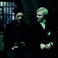 Albrecht Schuch e Florian David Fitz nel biopic Die Vermessung der Welt