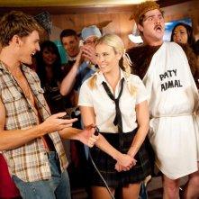 Josh Pence, Chelsea Handler e James Pumphrey in una scena della commedia Fun Size
