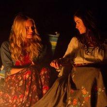Leven Rambin con Abigail Spencer in Chasing Mavericks