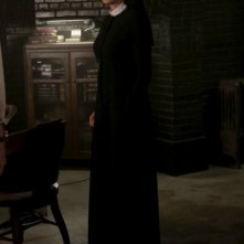 Jessica Lange è Sister Jude in American Horror Story - Asylum, episodio Nor'easter, terzo della seconda stagione
