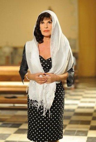 Un milione di giorni: Mita Medici nei panni di Maria Fichera in una scena