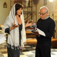 Un milione di giorni: Mita Medici sul set con il regista Manuel Giliberti
