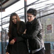Ian Somerhalder e Nina Dobrev in un momento dell'episodio Cuore di tenebre della terza stagione di The Vampire Diaries