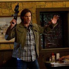Jared Padalecki in una scena dell'episodio Slash Fiction della settima stagione di Supernatural
