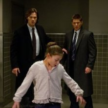 Jensen Ackles e Jared Padalecki in una scena dell'episodio Out with the Old della settima stagione di Supernatural
