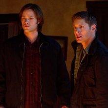Jensen Ackles e Jared Padalecki in una scena dell'episodio The Man Who Would Be King della sesta stagione di Supernatural