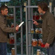 Jensen Ackles e Jared Padalecki in una scena dell'episodio You Can't Handle the Truth della sesta stagione di Supernatural