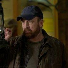Jim Beaver in una scena dell'episodio Of Grave Importance della settima stagione di Supernatural