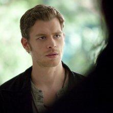 Joseph Morgan in una scena dell'episodio Prima del tramonto della terza stagione di The Vampire Diaries