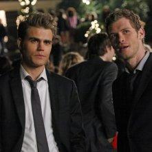 Paul Wesley e Joseph Morgan in una scena di Ritorno a casa, della terza stagione di The Vampire Diaries