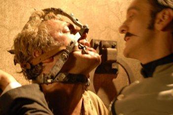 Dracula 3D: una concitata scena tratta dal film di Dario Argento