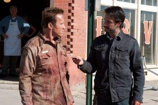 Rodrigo Santoro e Arnold Schwarzenegger in una scena di The Last Stand