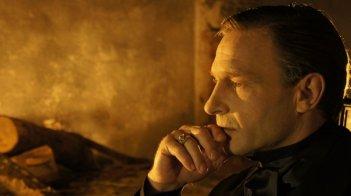 Thomas Kretschmann nei panni del conte Dracula in una scena di Dracula 3D