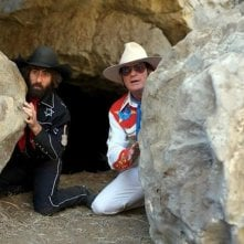 A Glimpse Inside the Mind of Charles Swan III: Charlie Sheen e Jason Schwartzman in una scena del film