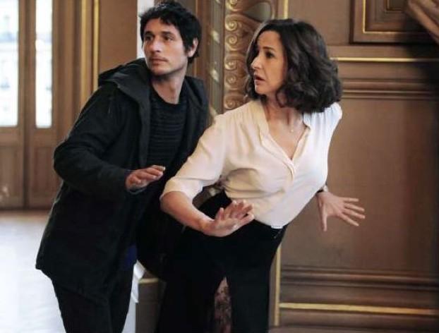 Main Dans La Main Valerie Lemercier E Jeremie Elkaim In Una Curiosa Scena 255812