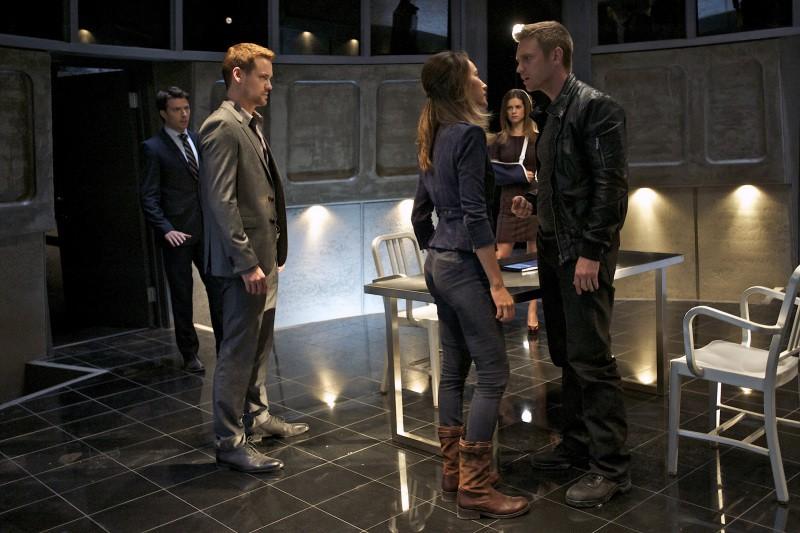 Devon Sawa Shane West E Maggie Q In Una Scena Dell Episodio Consequences Della Serie Tv Nikita 256049