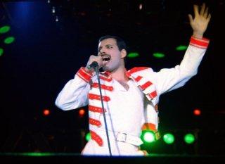 Hungarian Rhapsody: Queen Live in Budapest, Freddie Mercury canta a squarciagola sul palco di Budapest