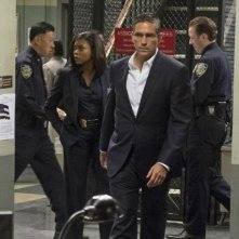 Jim Caviezel e Taraji P. Henson in una scena dell'episodio Bury the Lede della serie TV Person of Interest