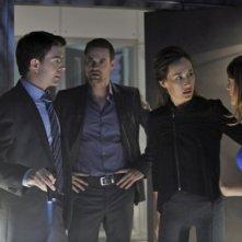 Noah Beah, Maggie Q, Shane West e Lyndsy Fonseca in una scena dell'episodio The Sword's Edge della serie televisiva Nikita