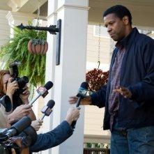 Flight: Denzel Washington in una sequenza del film