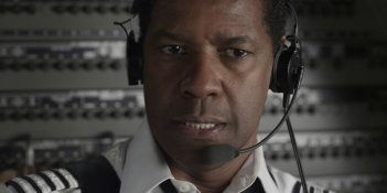 Flight: Denzel Washington interpreta il pilota Whip