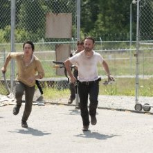 The Walking Dead: Andrew Lincoln, Steven Yeun e Norman Reedus nell'episodio Dentro e fuori