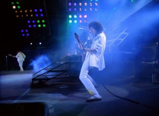 Hungarian Rhapsody: Queen Live in Budapest, Brian May sul palco di Budapest