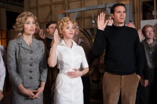 Scarlett Johansson, Jessica Biel e James D'Arcy in una scena di Hitchcock