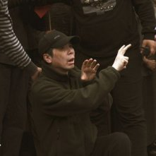 Back to 1942: il regista Feng Xiaogang sul set del film