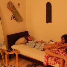 Marfa Girl: Adam Mediano insieme a Mercedes Maxwell in una scena del film