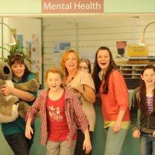 Mental: Rebecca Gibney in una scena del film con Lily Sullivan, Malorie O'Neill, Chelsea Bennett e Nicole Freeman