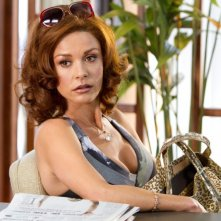 Un primo piano di Catherine Zeta-Jones in Lay the Favorite