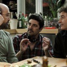 Una pistola en cada mano: Javier Cámara e Eduard Fernández insieme al regista Cesc Gay sul set