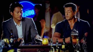 Bullet to the Head: Sung Kang e Sylvester Stallone in una scena del film
