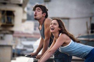 Cosimo e Nicole: Riccardo Scamarcio e Clara Ponsot in una scena del film