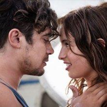 Cosimo e Nicole: Riccardo Scamarcio e Clara Ponsot innamorati durante il G8 di Genova in una scena