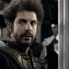 Goltzius and the Pelican Company: Ramsey Nasr è Hendrik Goltzius in una scena del film in costume di Peter Greenaway