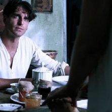 L'isola dell'angelo caduto: Giampaolo Morelli in una scena del film