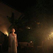 L'isola dell'angelo caduto: Sara Sartini in una buia scena del film