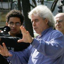 Mundo Invisìvel: Marco Bechis sul set durante le riprese del suo frammento del film