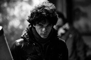 Razzabastarda: Giovanni Anzaldo protagonista del film in una scena