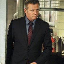 Aidan Quinn in una scena dell'episodio Child Predator della prima stagione di Elementary