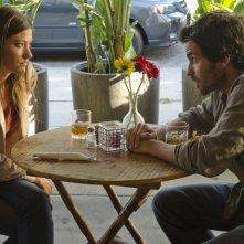 Dexter: Jennifer Carpenter e Santiago Cabrera nell'episodio Chemistry