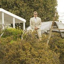 Dexter: Ray Stevenson in una scena dell'episodio Swim Deep
