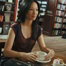 Lucy Liu in una scena dell'episodio Flight Risk della prima stagione della serie Elementary