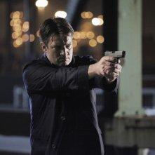 Nathan Fillion in una scena dell'episodio Probable Cause della serie Castle - Detective tra le righe