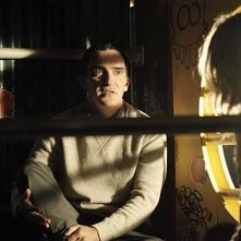 Patrick Fischler in una scena dell'episodio After Hours della serie Castle - Detective tra le righe