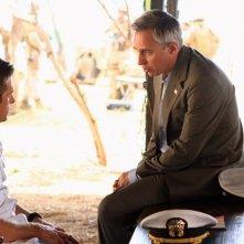 Scott Speedman insieme a Jay Karnes in una scena dell'episodio L'accordo della prima stagione di Last Resort